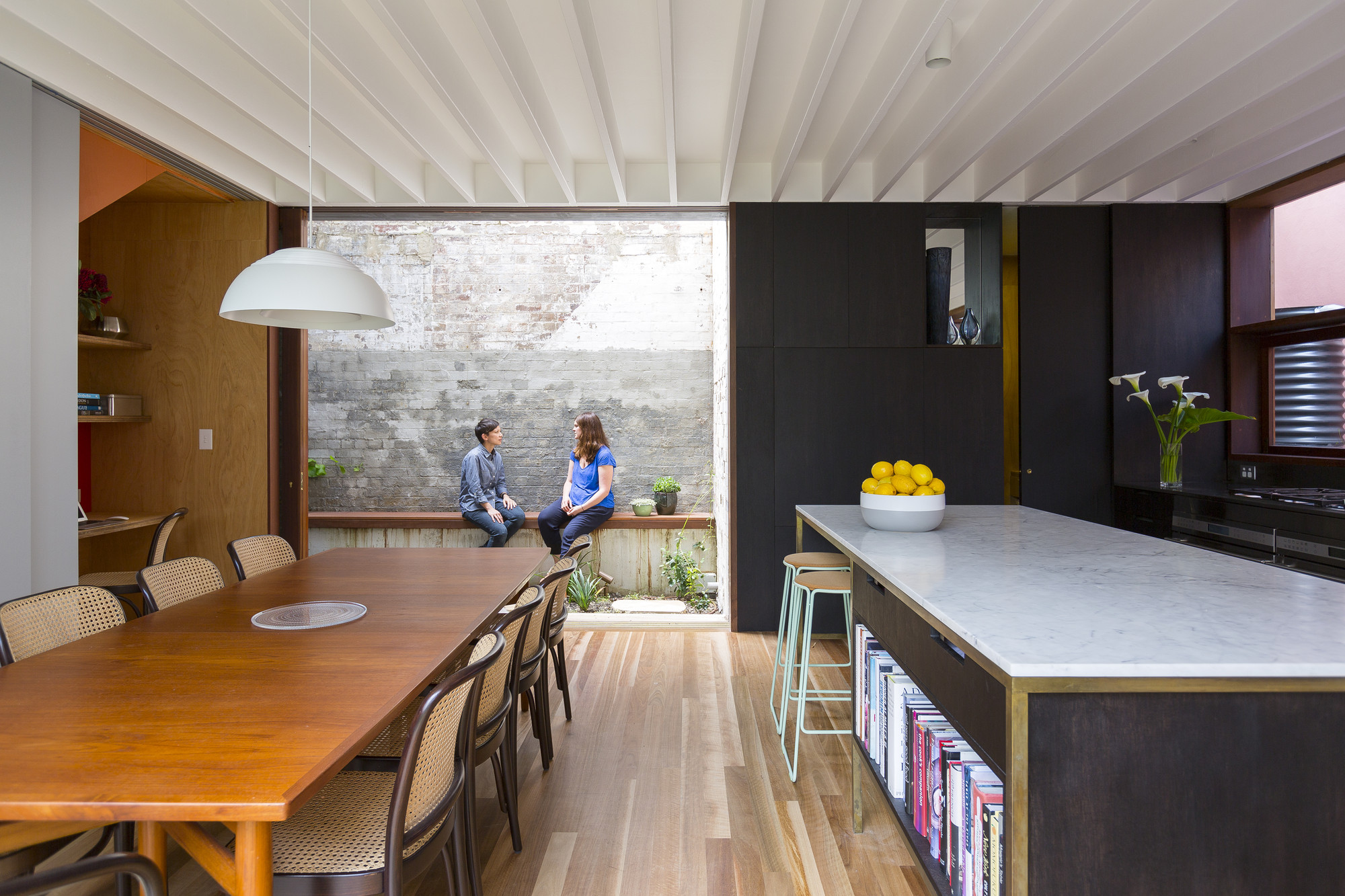 courtyard house / aileen sage architects | archdaily