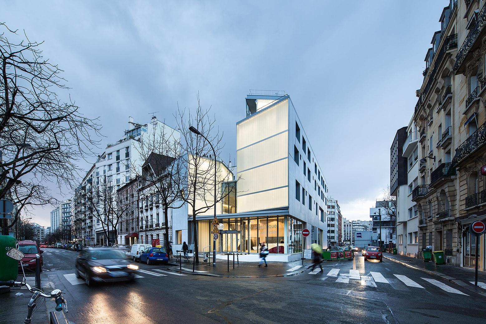 Patronage Laique & Social Housing / LAPS Architecture + MAB Arquitectura, © Luc Boegly