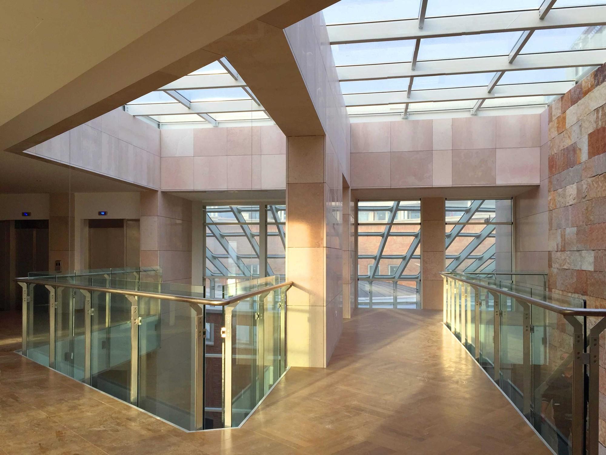 Bank of Albania HQ Renovation / Petreschi Achitects