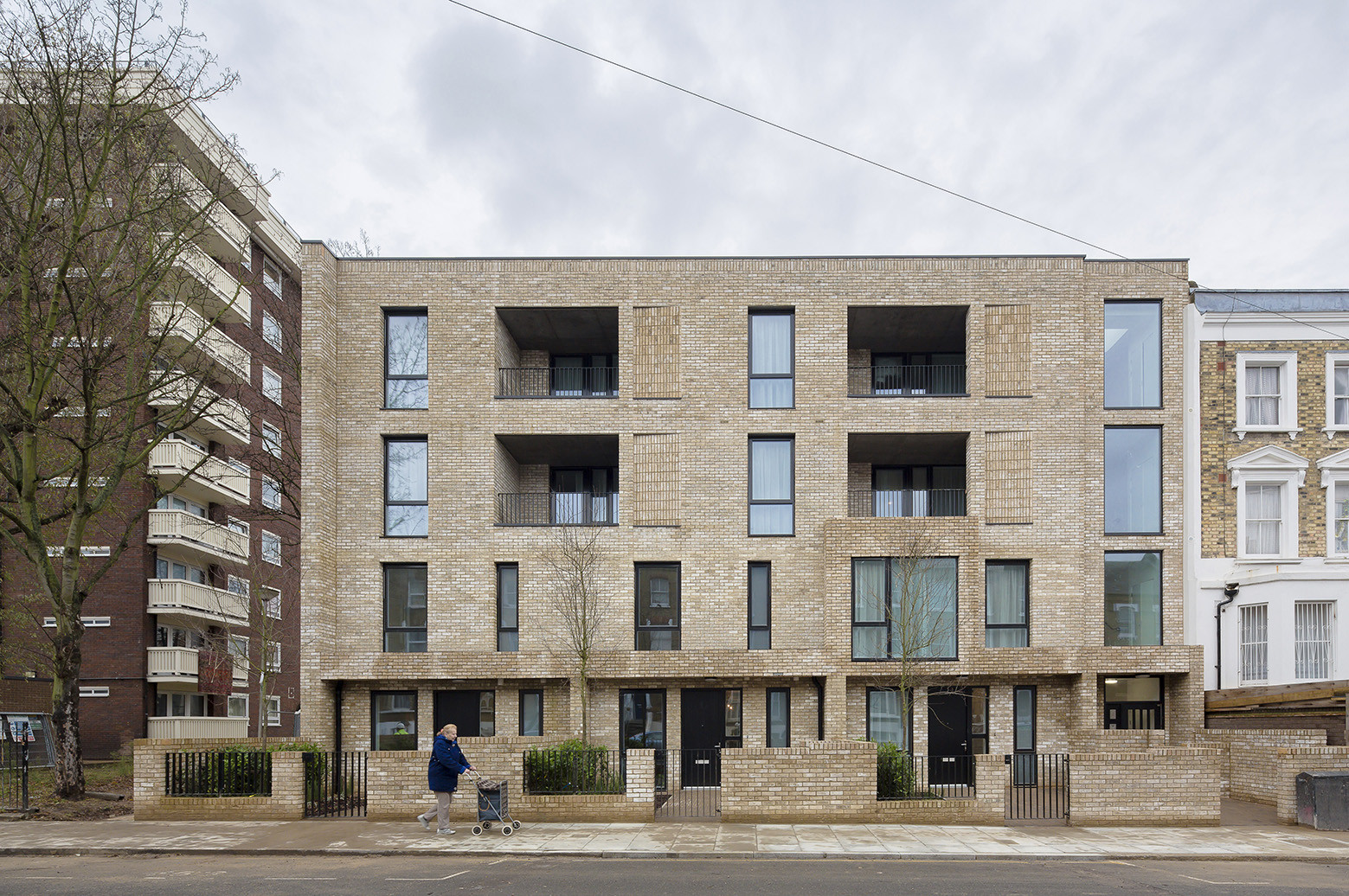 Inventive Council Housing / Levitt Bernstein, © Tim Crocker