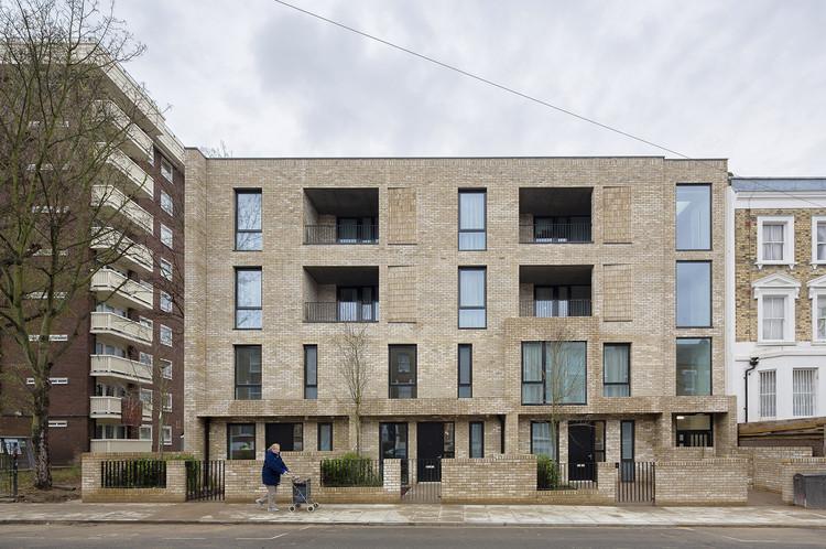 Inventive Council Housing / Levitt Bernstein, © Tim Crocker