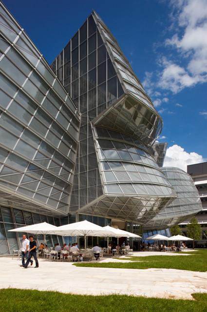 Novartis Campus / Gehry Partners - A project with Transsolar KlimaEngineering. Image © Flickr CC user Novartis AG