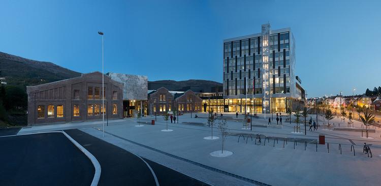 Universidad de Bergen / Cubo Arkitekter + HLM Arkitektur, Courtesía de Cubo Arkitekter + HLM Arkitektur