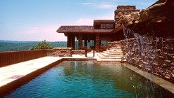 Frank Lloyd Wright and Fay Jones on the Web: The Value of Online Exhibitions