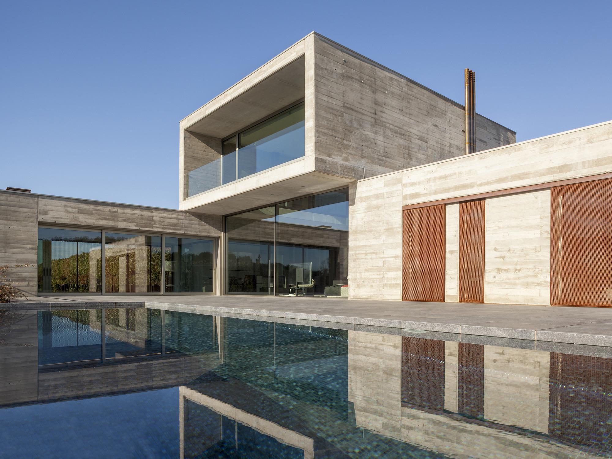 Casa en Cassà / Ricard Galiana + Yago Oliva, © Nani Pujol