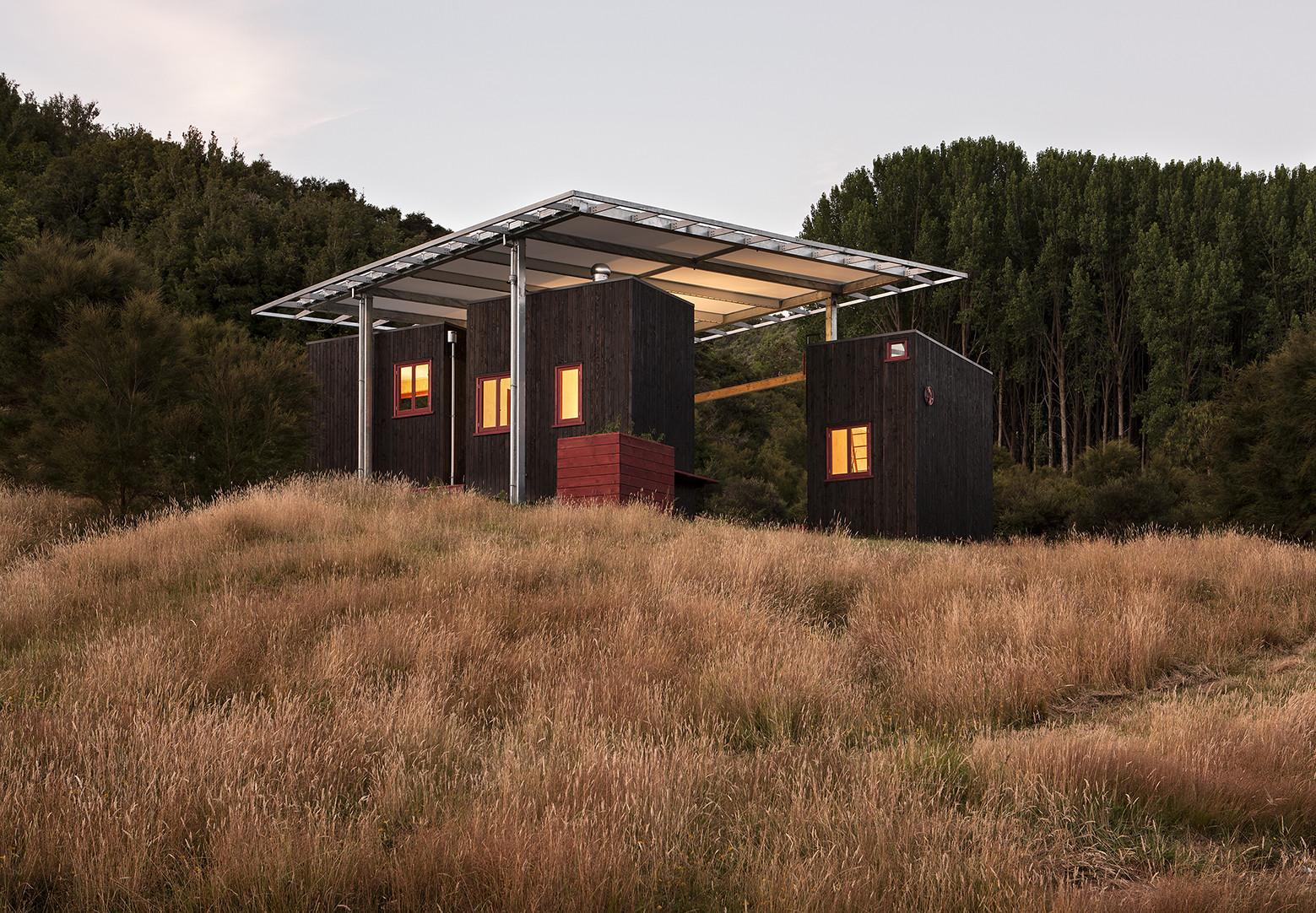 Refugio de Bienvenida en Longbush Ecosanctuary / Sarosh Mulla Design, © Simon Devitt
