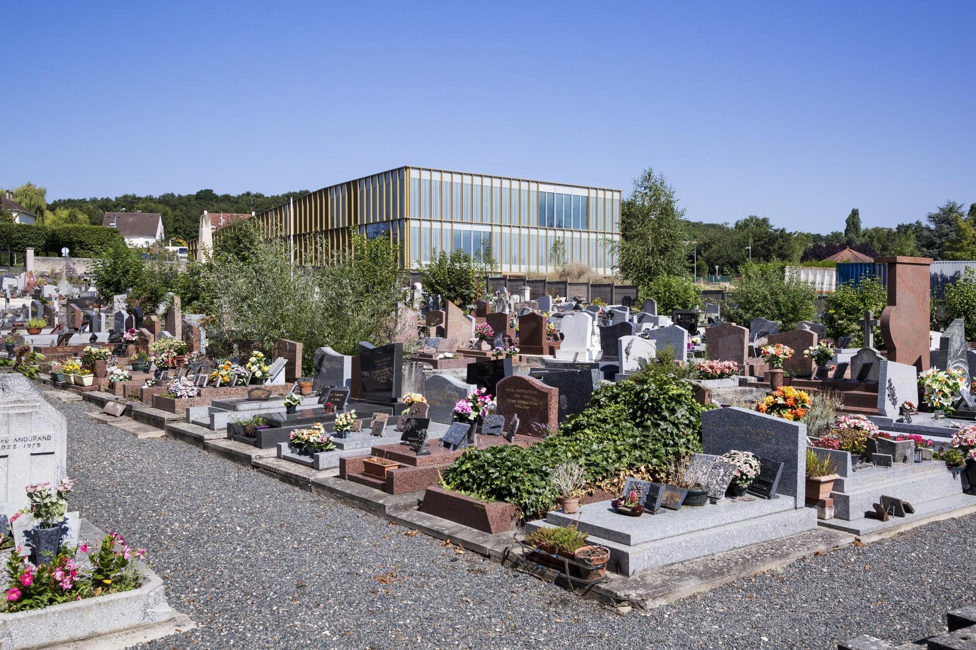 galer a de centro cultural en saint germain l s arpajon ateliers o s architectes 10. Black Bedroom Furniture Sets. Home Design Ideas