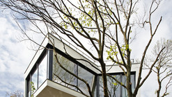 House Between The Trees / Šebo Lichý architects