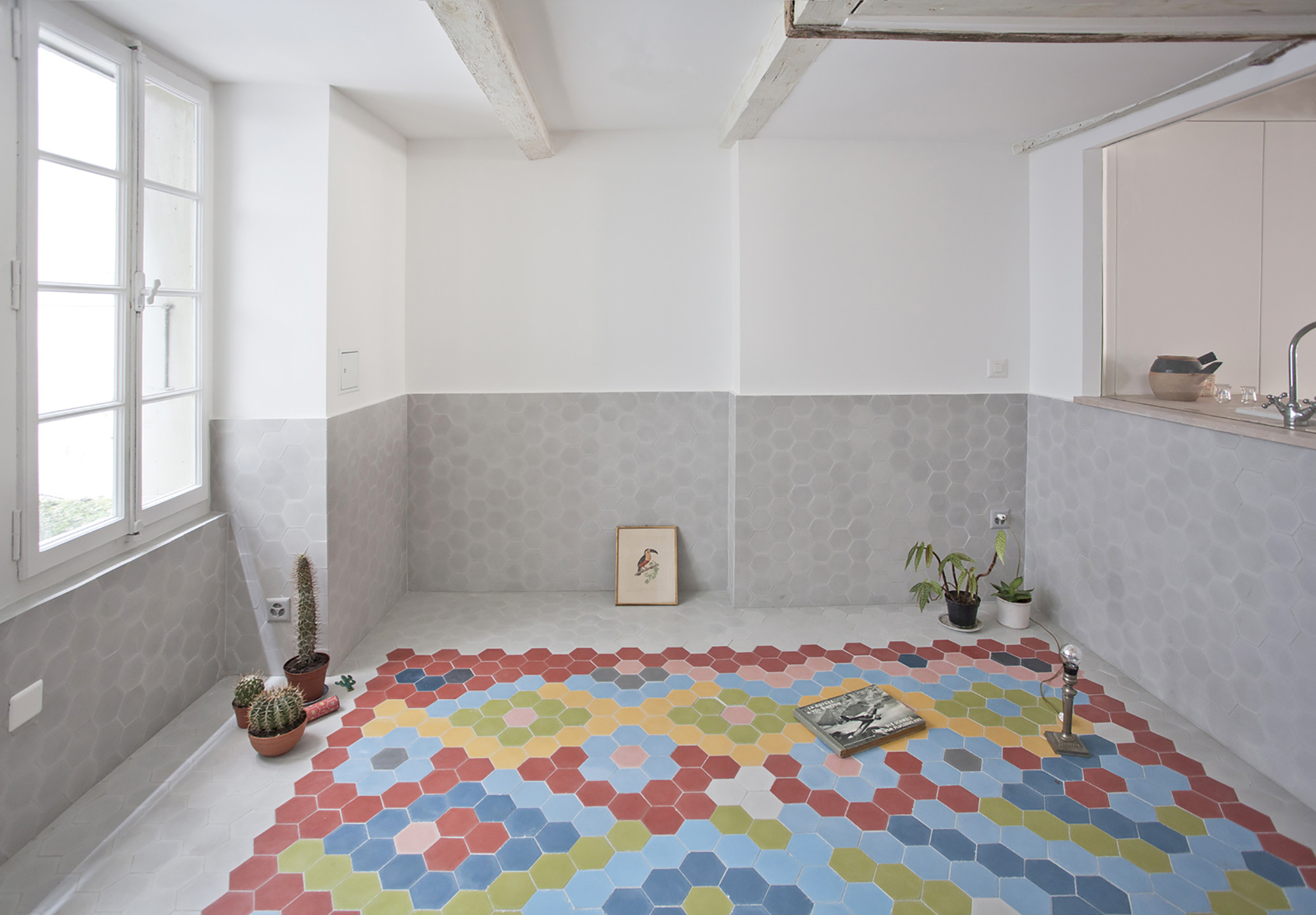The Apartment / BUREAU A