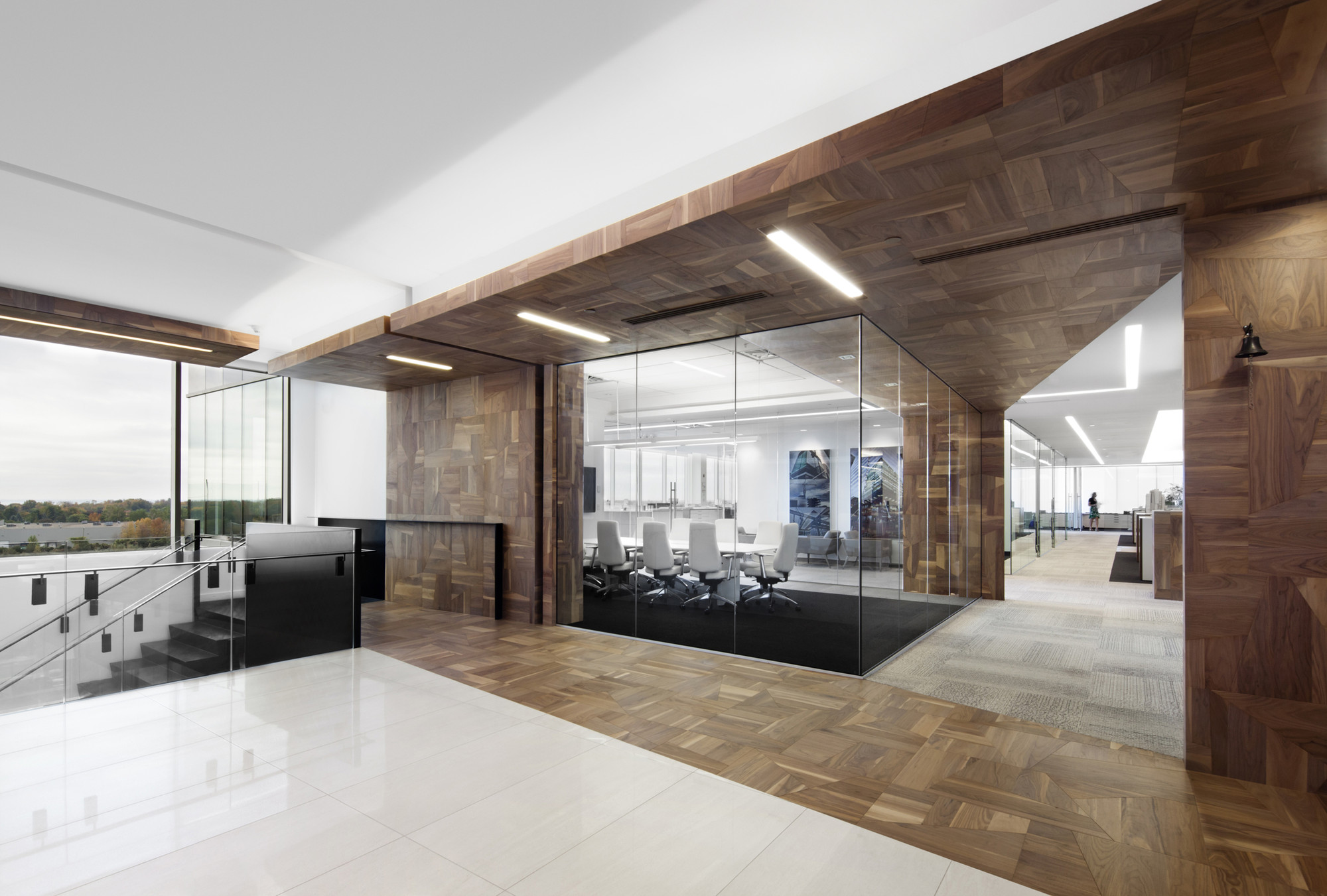 Offices broccolini construction rubin et rotman for Office interior contractor