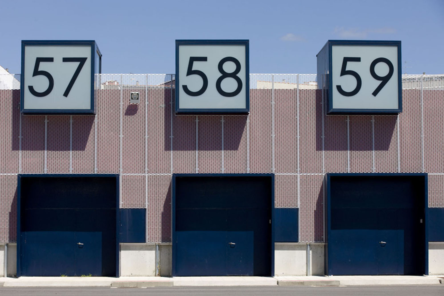 Edificios para Departamentos de Usuarios en Rianxo / Angel Cid y Jose Santos, © Xurxo Lobato