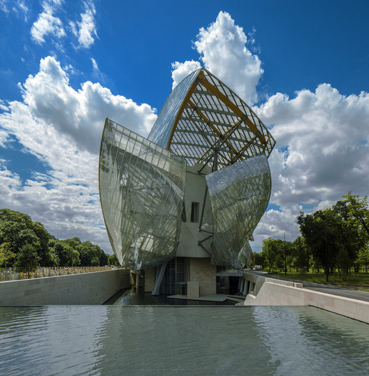 Fondation Louis Vuitton. Image © Todd Eberle