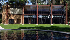 Vestiário Clube Campestre / João Diniz Arquitetura