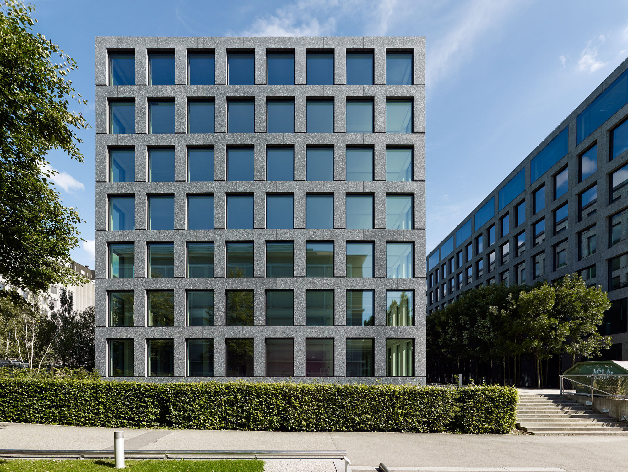 Herostrasse office building max dudler archdaily for Design build construction