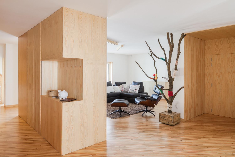 SilverWoodHouse / Ernesto Pereira | ArchDaily