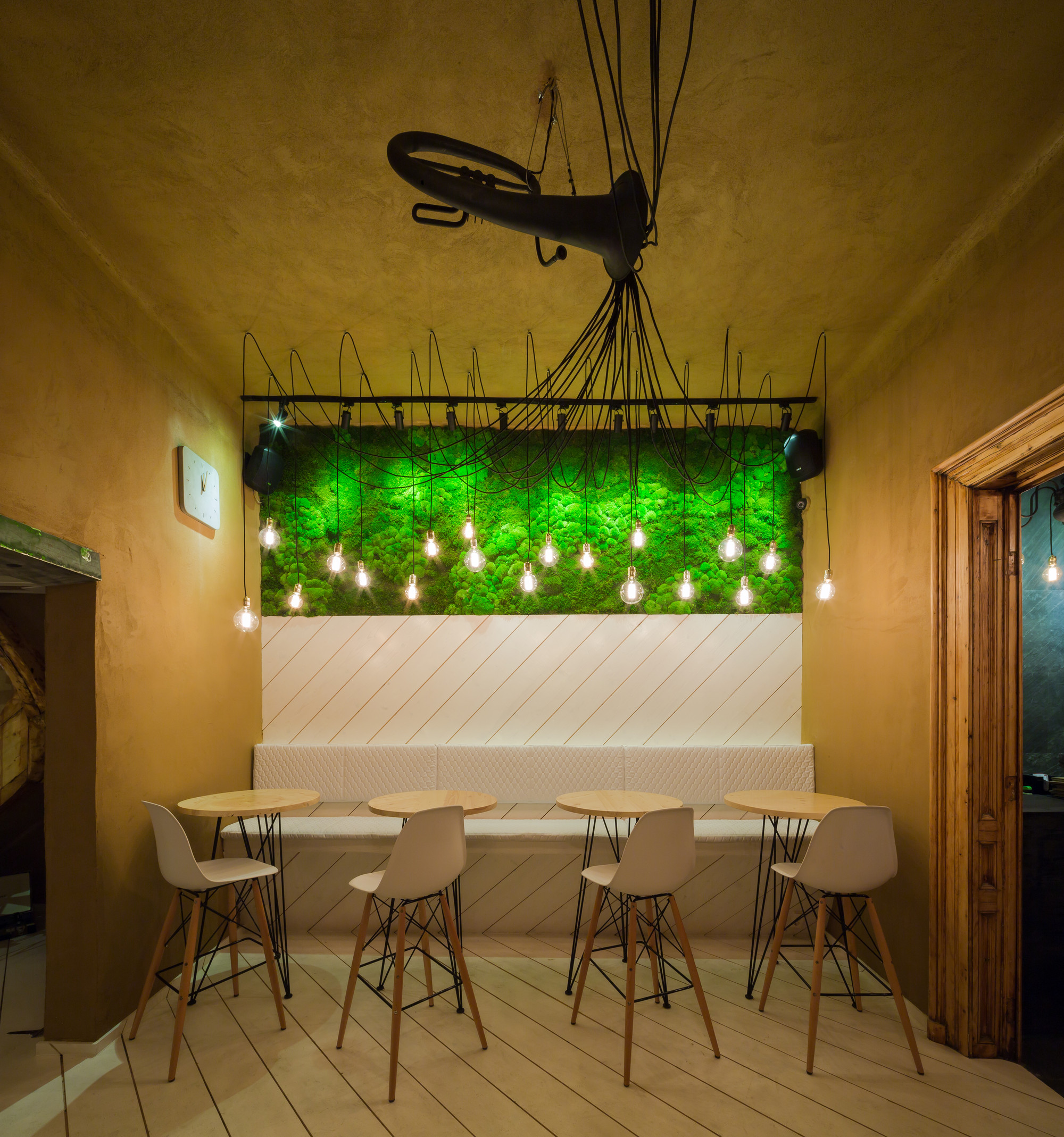 SHIFT Restaurant / Lama Arhitectura, © RaduMalasincu
