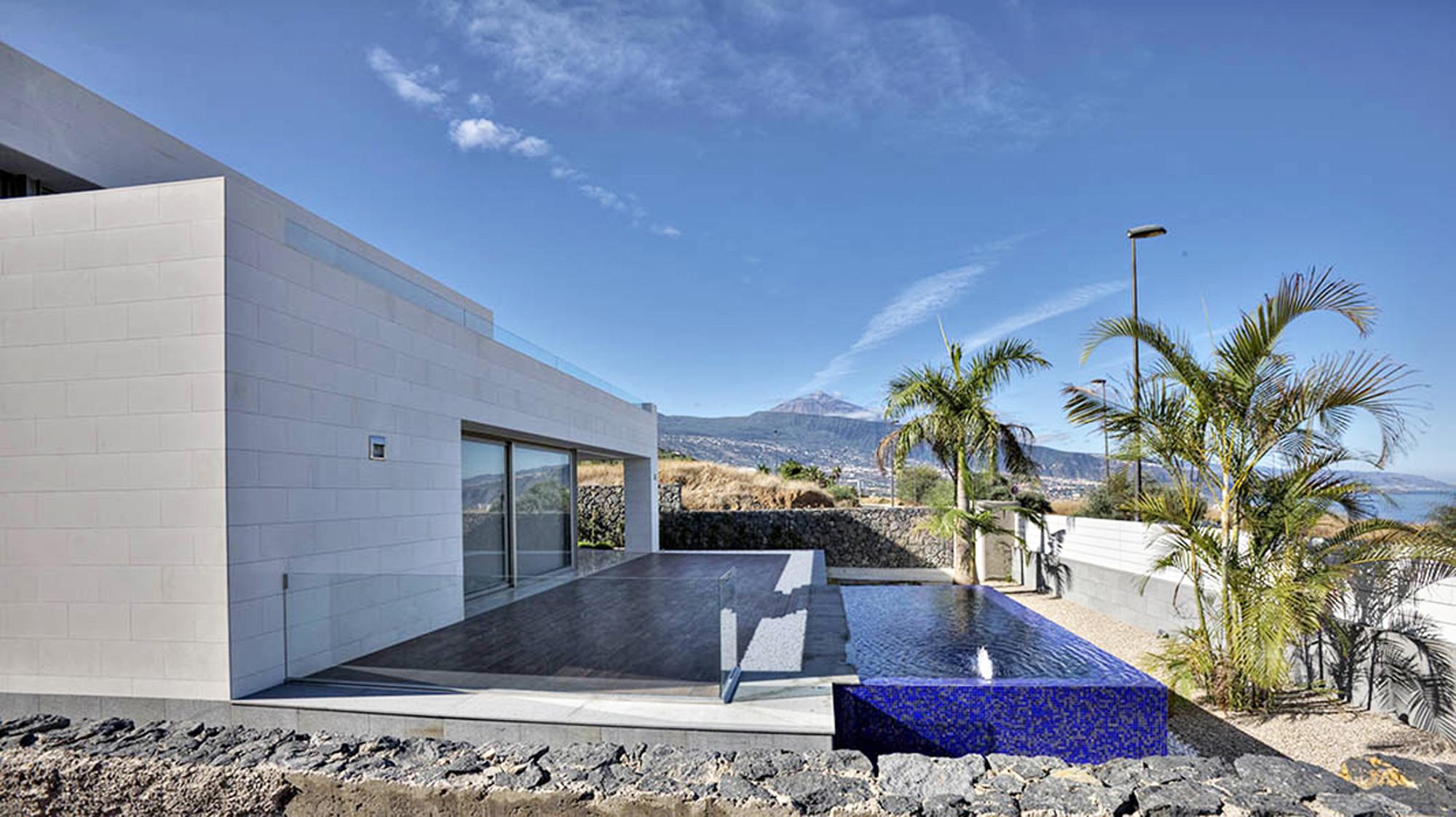 Casa em La Quinta / Correa + Estévez Arquitectura, © Efraín Pintos