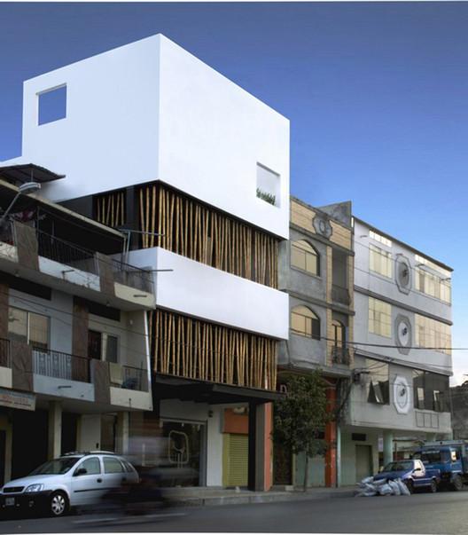 Asadero Popular Rico Pollo / Natura Futura Arquitectura, Cortesía de Natura Futura