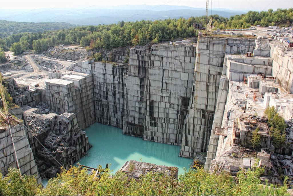 Materiales piedra natural m rmoles granitos y basaltos for Canteras y marmoles