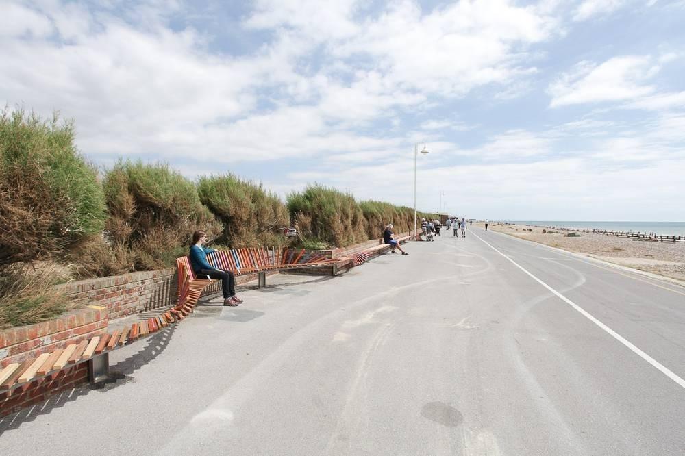 """El """"Banco más Largo"""", un proyecto que cambió un paseo costero en Reino Unido, © Studio Weave"""