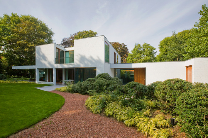 AVEK House In A Garden Park DEVOLDERarchitecten