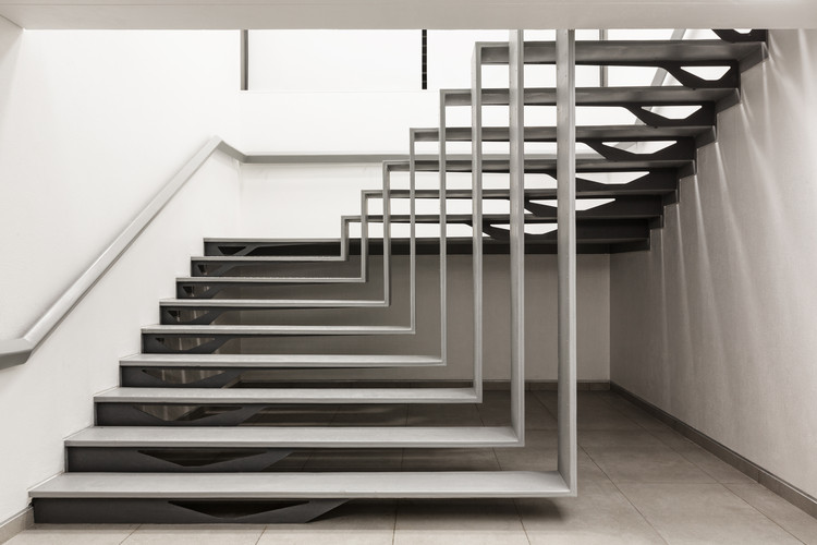 1102 Penthouse Apical Reform ArchDaily : STAIRCASE01 from www.archdaily.com size 750 x 500 jpeg 67kB