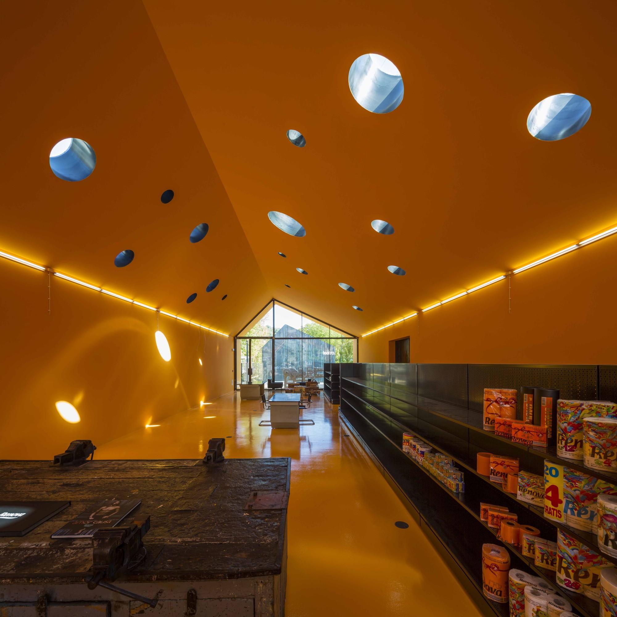 Tienda & Teatro RENOVA / Phyd Arquitectura, © Fernando Guerra | FG+SG