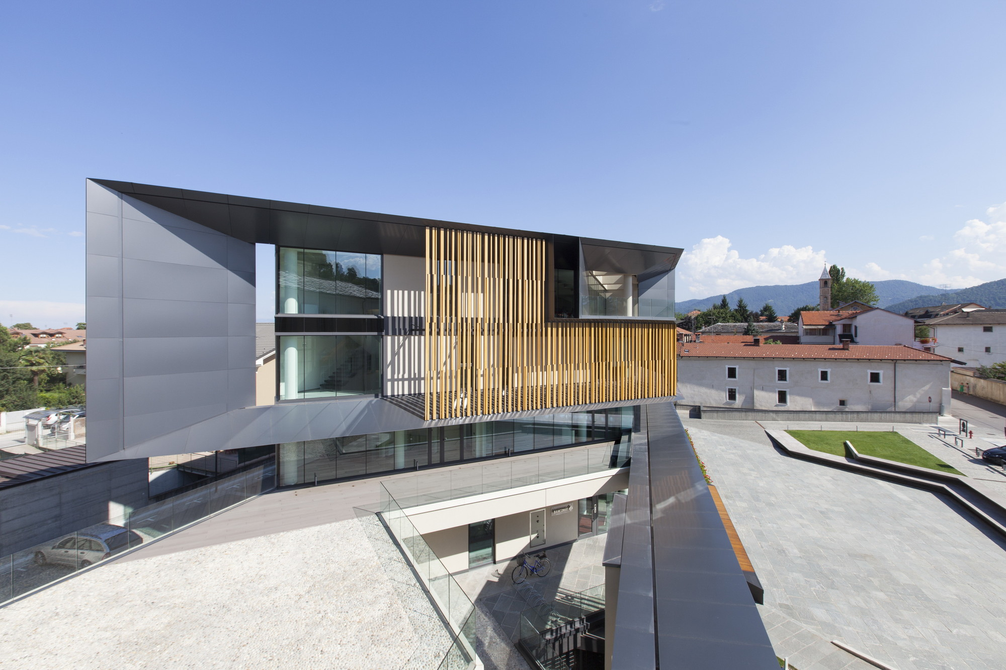 Nuova Sede Banca Credito Cooperativo di Caraglio / Studio Kuadra, © Alberto PIOVANO