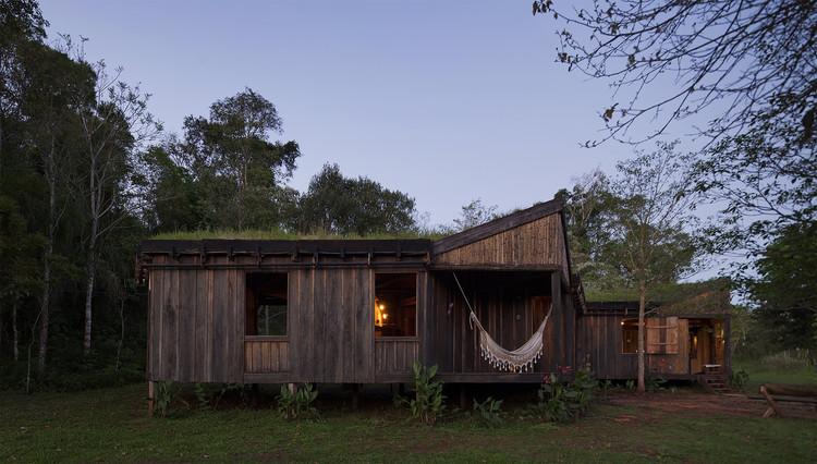 Hostel Comuna Yerbas del Paraíso  / IR arquitectura, © Federico Cairoli