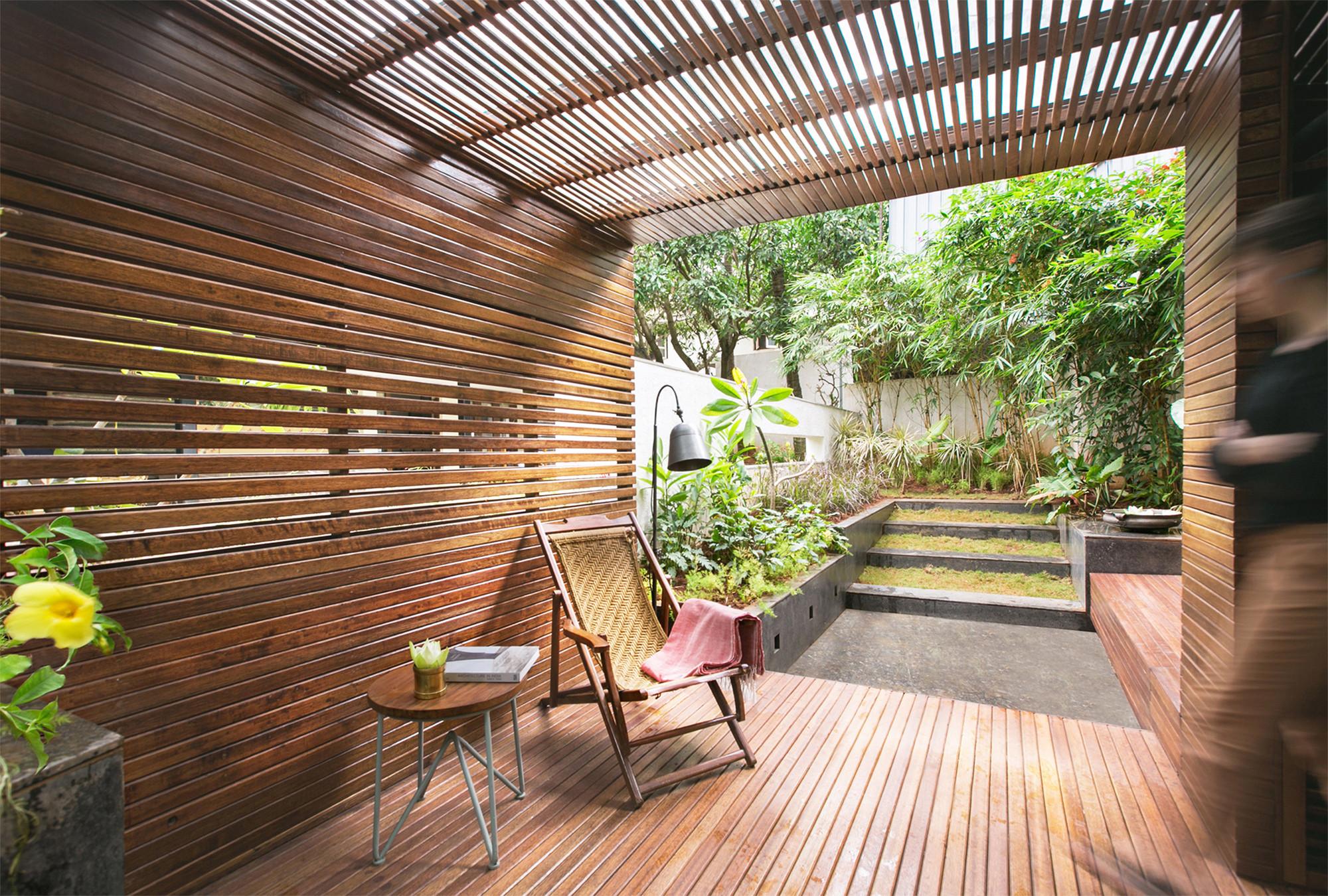 Pabellón en un Jardín / CollectiveProject