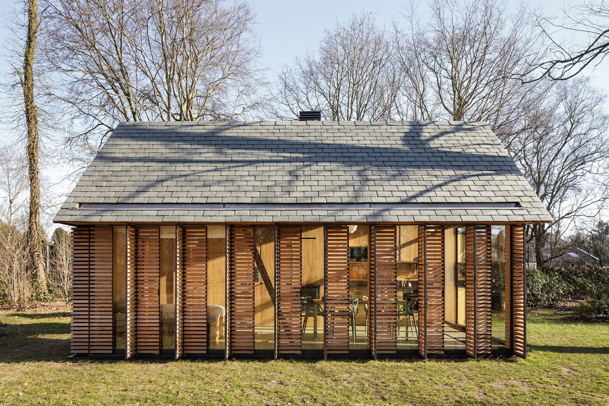 Recreation House Near Utrecht / Roel Van Norel + Zecc Architecten |  ArchDaily