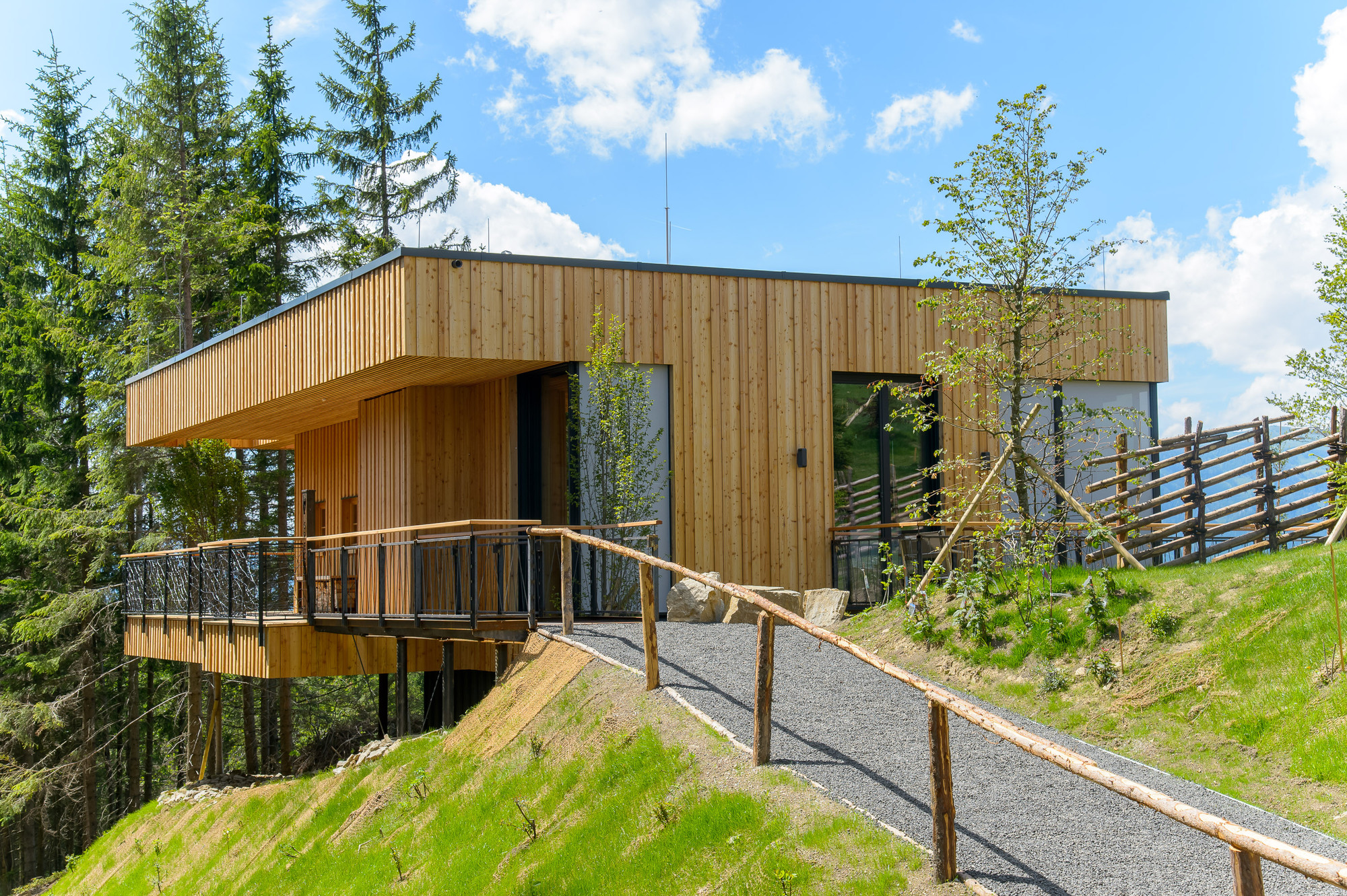 Gallery of Deluxe Mountain Chalets / Viereck Architects - 20
