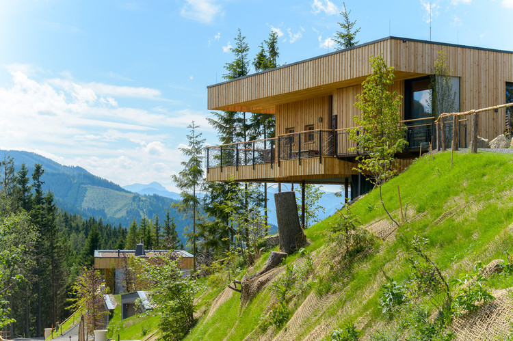 Deluxe Mountain Chalets / Viereck Architects, Courtesy of Viereck Architects
