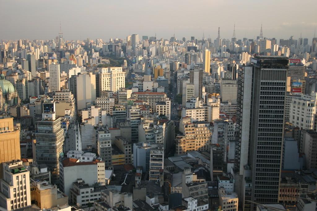 SASP Campinas promove debate sobre o Estatuto da Metrópole , São Paulo, maior metrópole brasileira. © Thomas Hobbs, via Flickr. CC. Used under <a href='https://creativecommons.org/licenses/by-sa/2.0/'>Creative Commons</a>