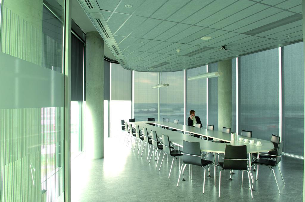 Materiales: Control Solar para el confort en ambientes de trabajo