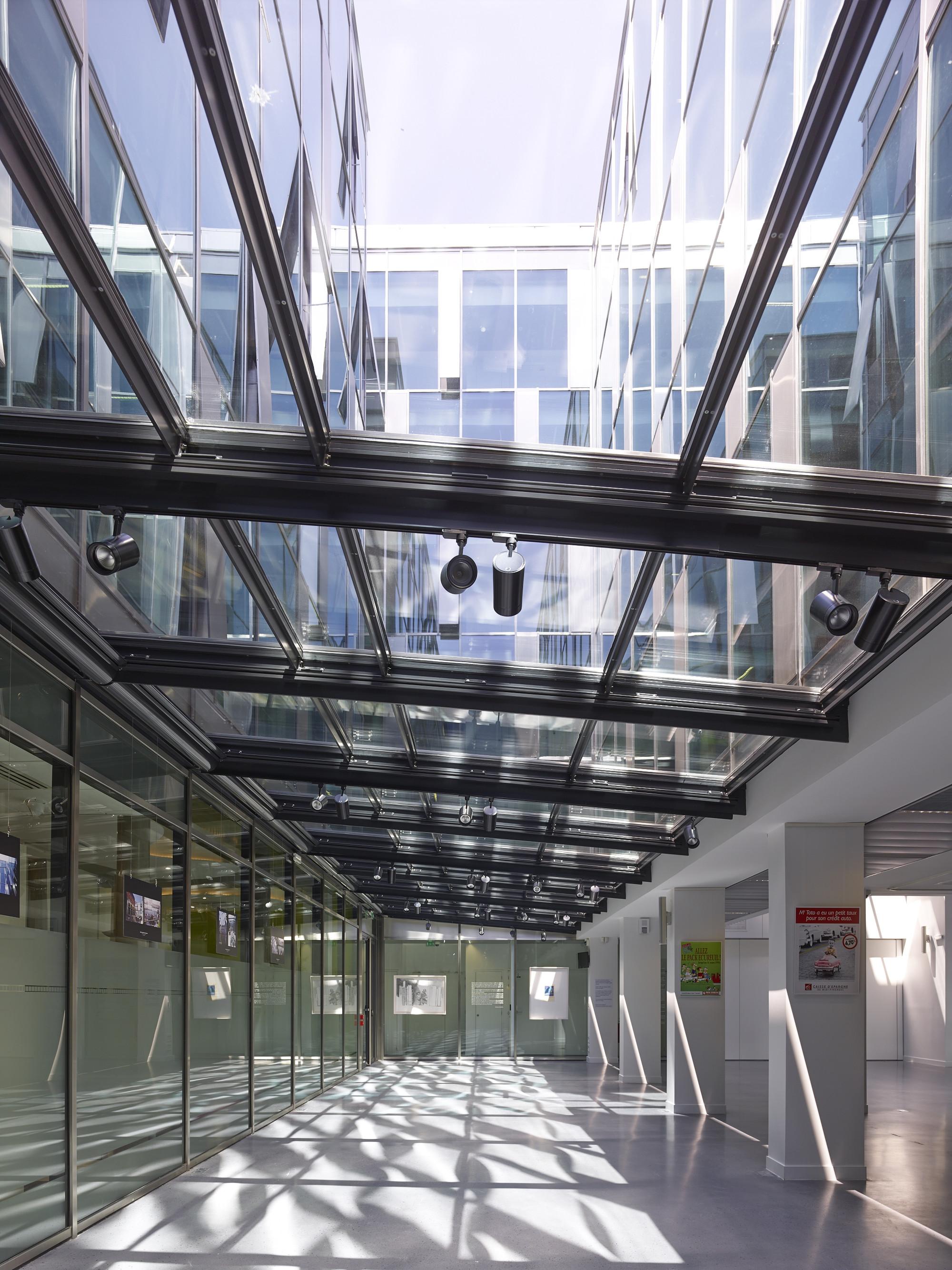 Gallery of Caisse d\'Epargne Headquarters / Taillandier Architectes ...