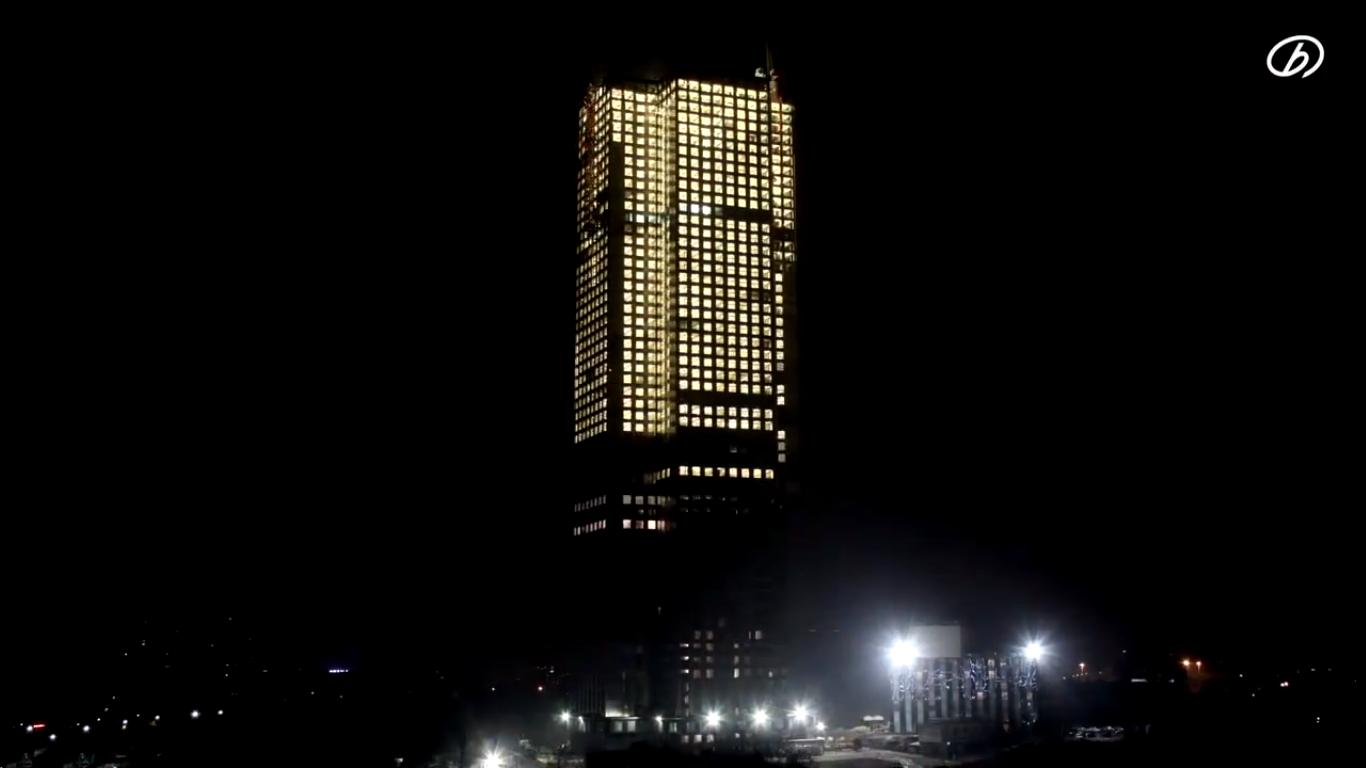 Vídeo: companhia chinesa constrói arranha-céu de 57 pavimentos em 19 dias, Image via BSB [Screenshot]