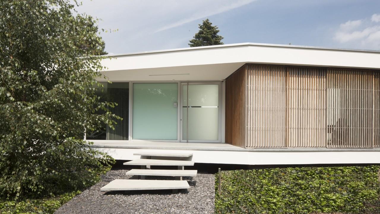 Gallery of villa spee lab32 architecten 3 for Minimalist bungalow