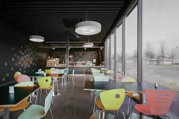 Supermercados top arhis arhitekti archdaily brasil for Local interior decorators