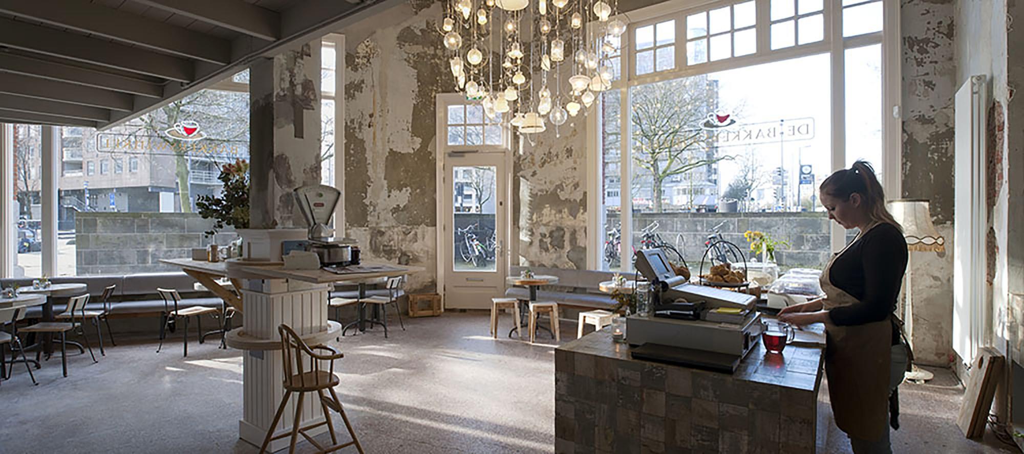 Spiksplinternieuw Bakkerswinkel / Piet Hein Eek | Plataforma Arquitectura CT-74