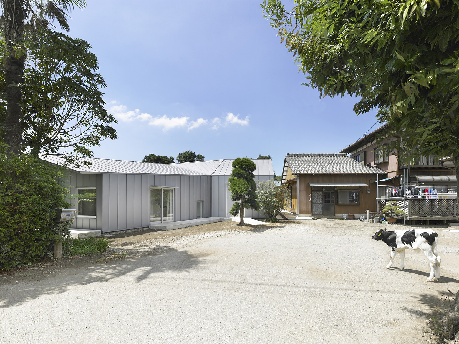 House for Dairy Farmers / Osamu Tsukihashi + Architects Teehouse, © Sadao Hotta