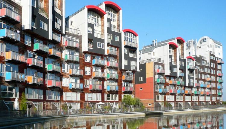 """Valparaíso busca implementar sus primeros """"edificios inteligentes"""", Proyecto de Renovación Urbana Greenwich Village, en Londres (2003-2005). Image Cortesía de Corporación de Desarrollo tecnológico CDT"""