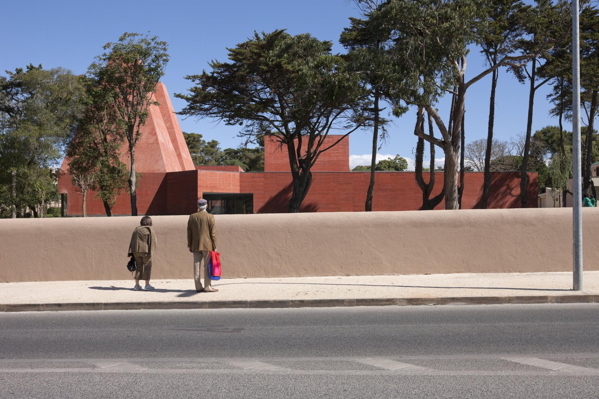 """Fundação Insel Hombroich promove a exposição """"Souto de Moura 1980 – 2015"""", Casa das Histórias – Museu Paula Rego, Cascais, Portugal, 2009. Image © Luis Ferreira Alves, via Stiftung Insel Hombroich"""