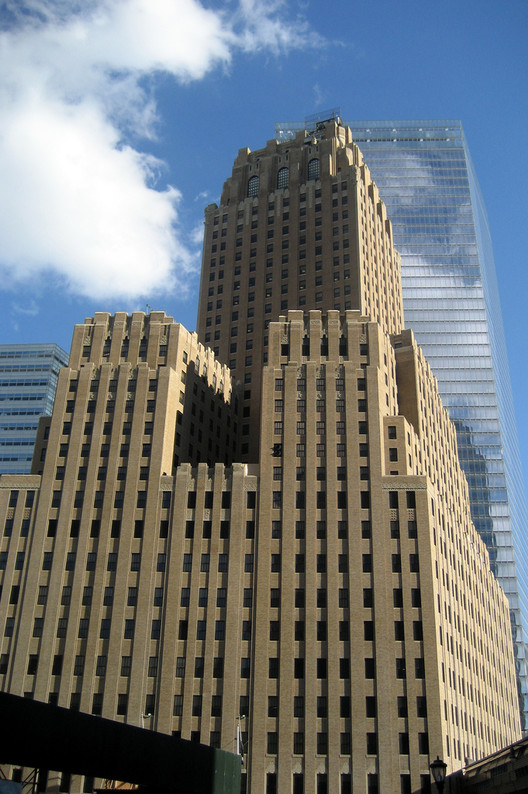 8 Influential Art Deco Skyscrapers by Ralph Thomas Walker, The Barclay-Vesey Telephone Building (now the Verizon Building) in New York. Image © Flickr user Wally Gobetz