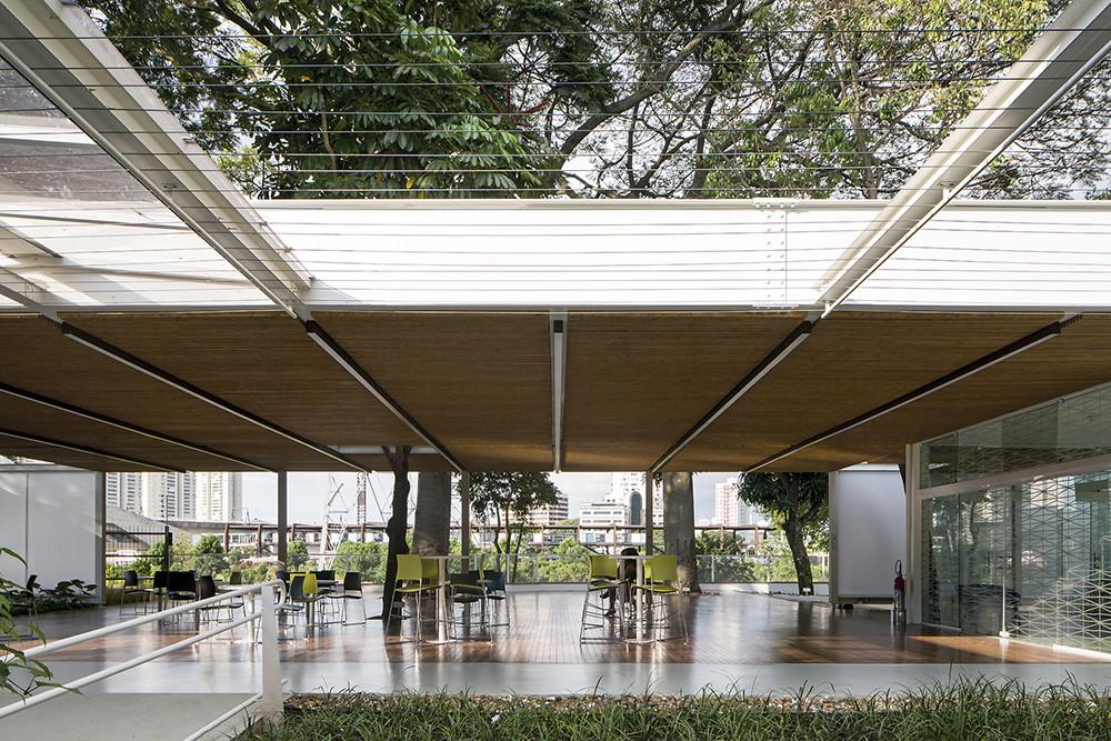 Eco Edificio Comercial / LoebCapote Arquitetura e Urbanismo , © Leonardo Finotti
