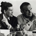 """HOW CHARLES AND RAY EAMES """"SHELL CHAIR"""" IS CONSTRUCTED IN 12 GIFS"""
