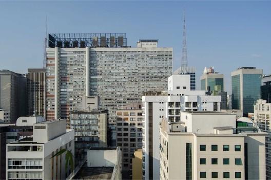 Conjunto Nacional. © Carolina Belem. Cortesia de Prédios de São Paulo