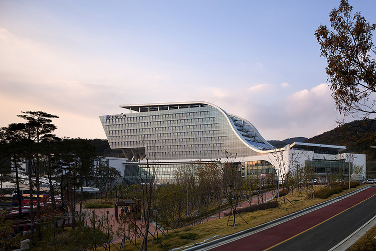 Korea Gas Corporation Headquarters / Samoo Architects & Engineers, © Young Chae Park