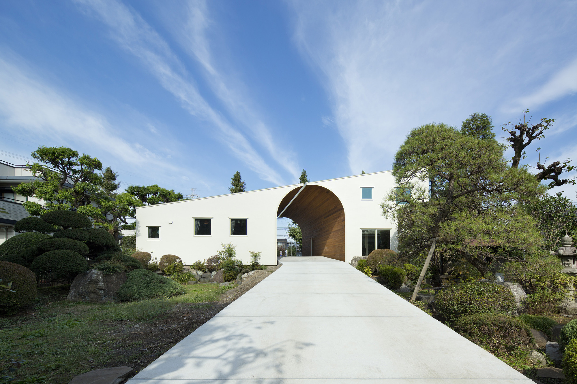 Arch Wall House  / Naf Architect & Design, © Toshiyuki Yano