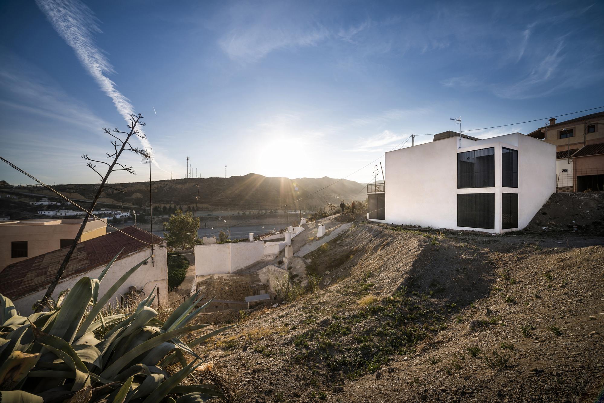 Galería de Casa para un camionero / Lab33 - 2